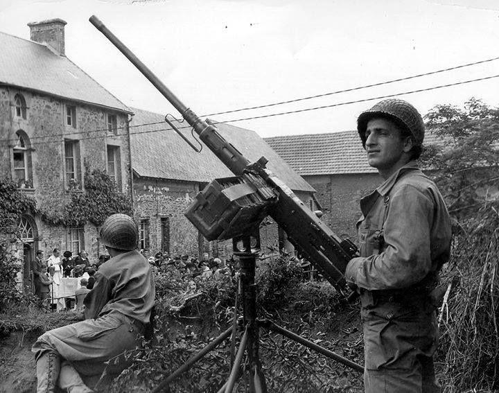 Diverses photos de la WWII - Page 30 77821