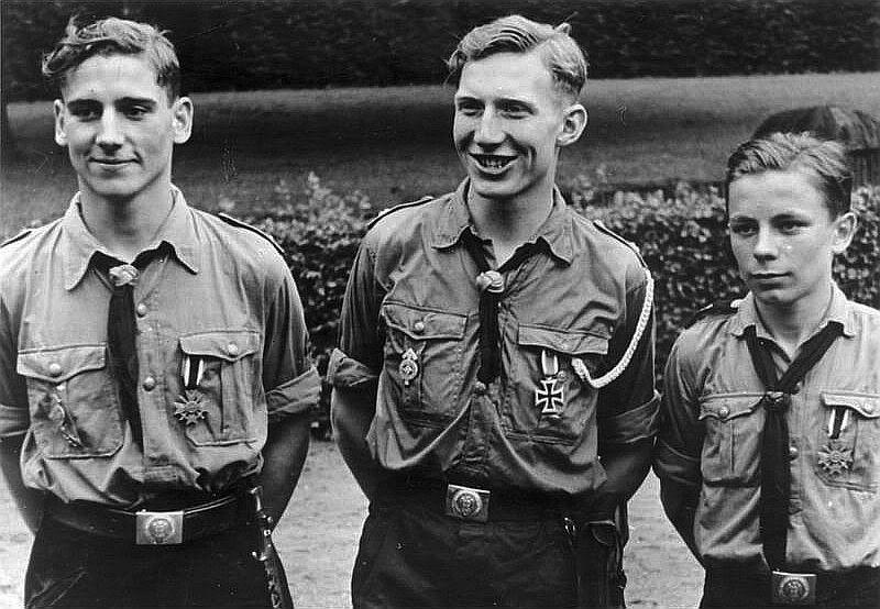 Diverses photos de la WWII - Page 14 78912