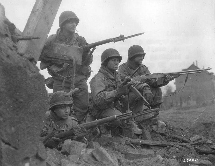 Diverses photos de la WWII (fichier 8) - Page 2 80123