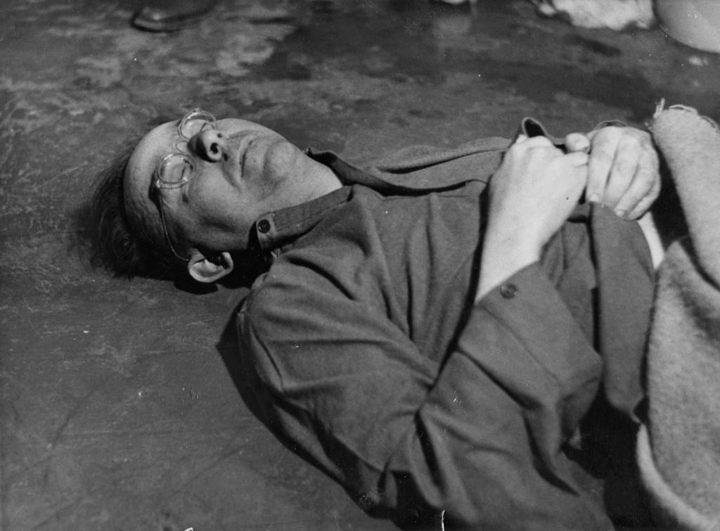 Diverses photos de la WWII - Page 2 80716