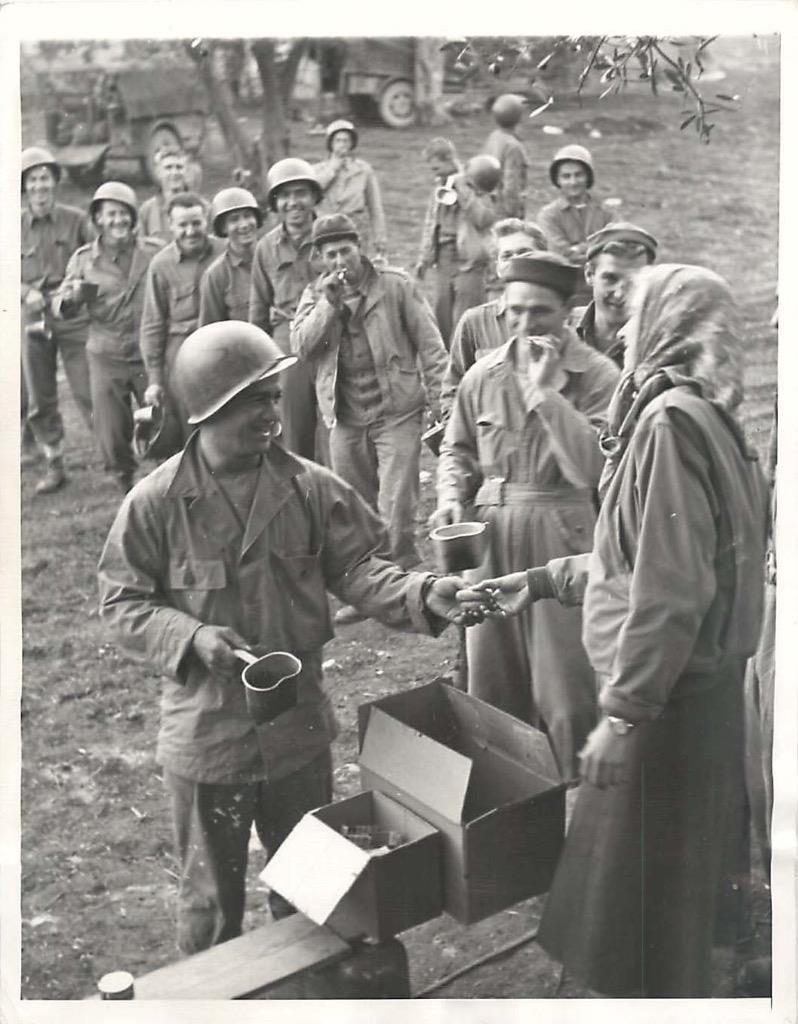 Diverses photos de la WWII - Page 3 8131