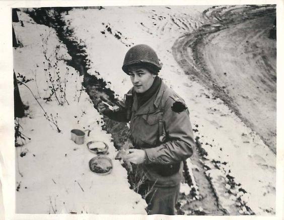 Diverses photos de la WWII - Page 2 81515