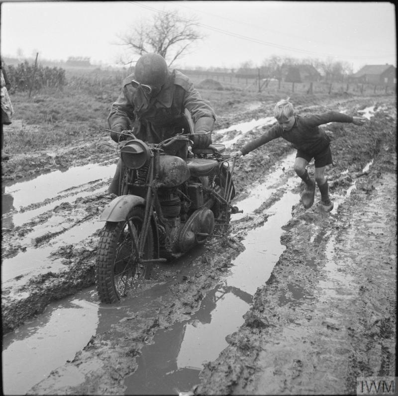 Diverses photos de la WWII (fichier 8) - Page 2 82024