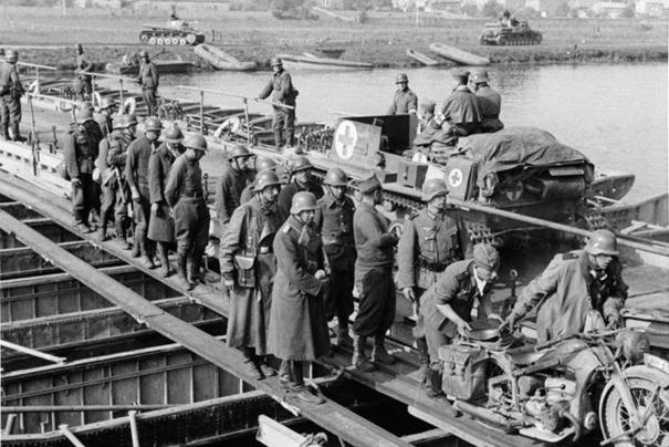 Diverses photos de la WWII 8310