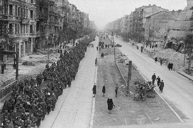 Diverses photos de la WWII - Page 32 83818