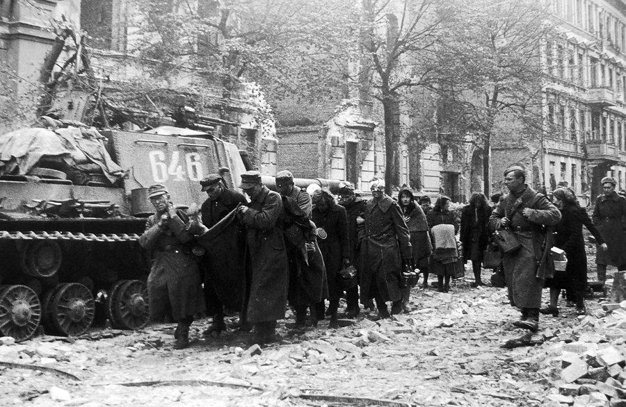 Diverses photos de la WWII - Page 32 83919
