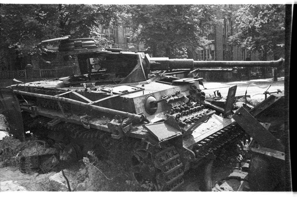 Diverses photos de la WWII - Page 32 84019