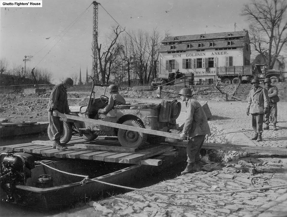 Diverses photos de la WWII 8421