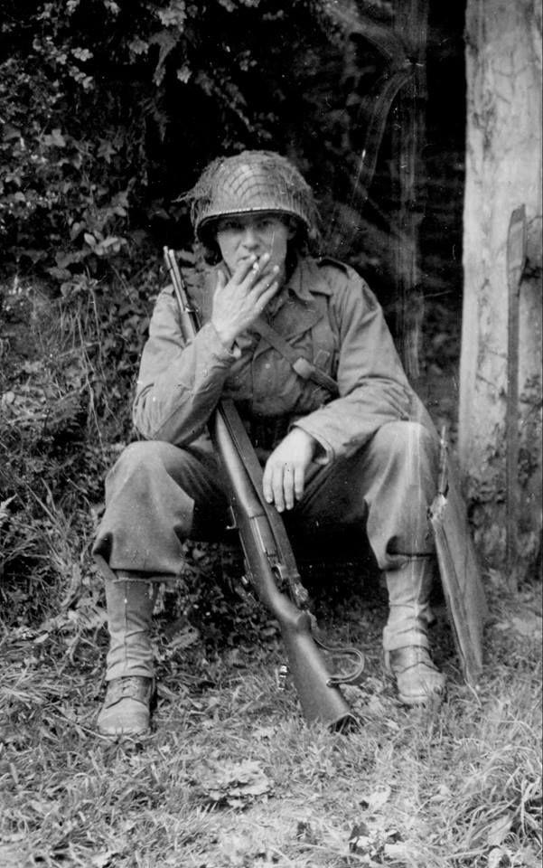 Diverses photos de la WWII (fichier 8) - Page 3 86021