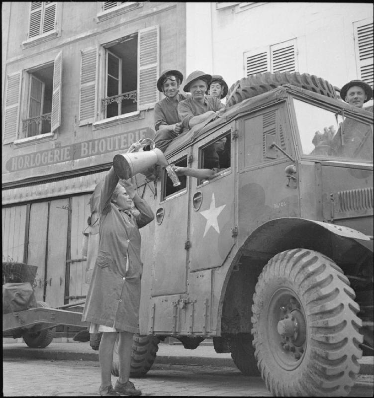 Diverses photos de la WWII - Page 2 868