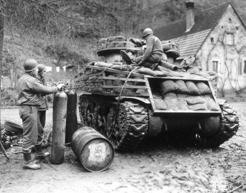 Diverses photos de la WWII - Page 32 87118