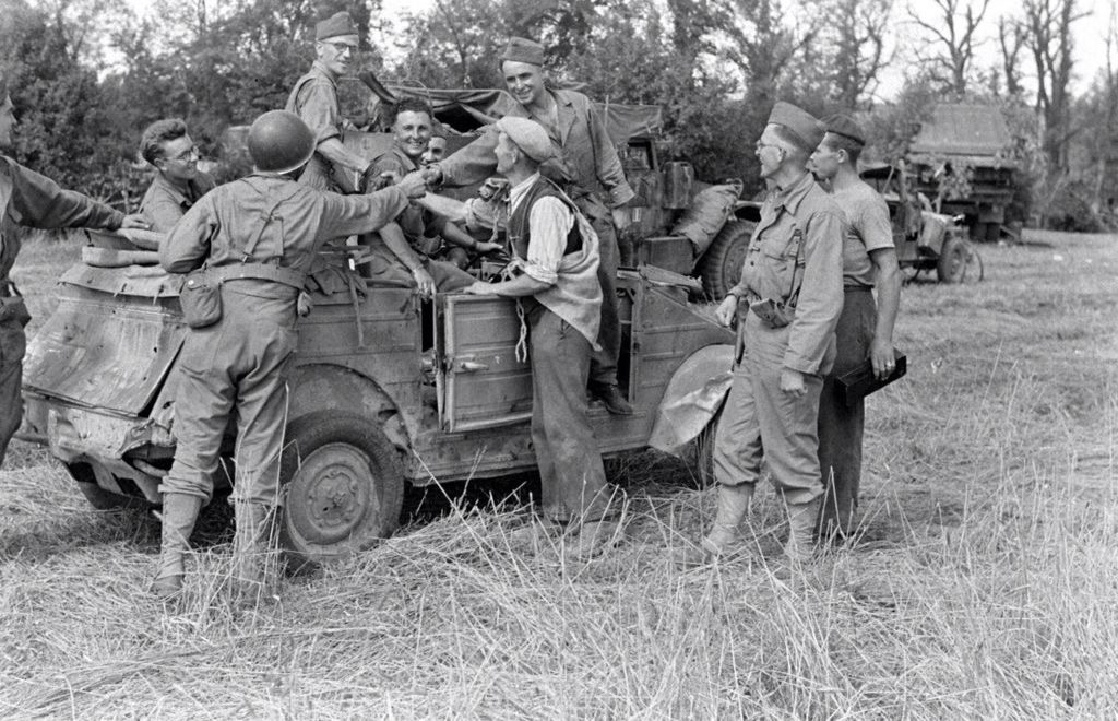 Diverses photos de la WWII (fichier 8) - Page 3 87621