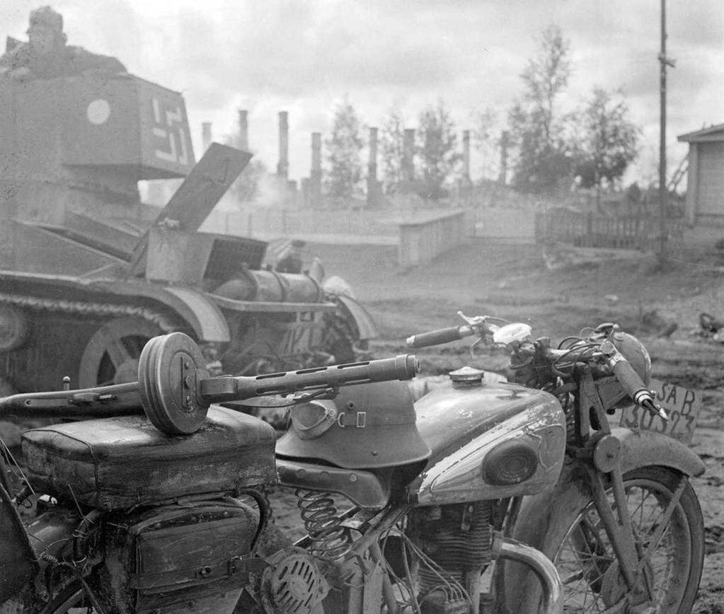 Diverses photos de la WWII - Page 38 88011
