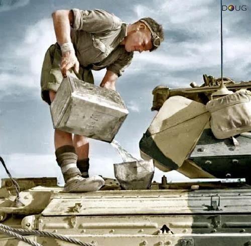 Diverses photos de la WWII - Page 32 88219