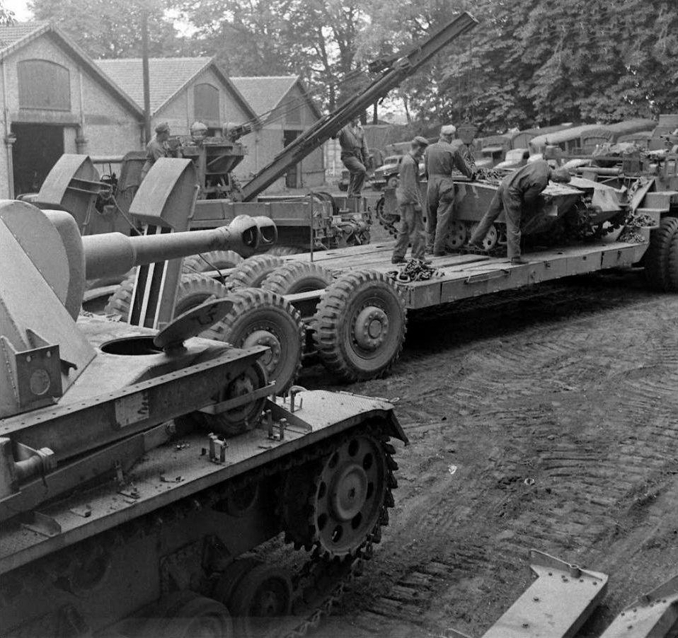 Diverses photos de la WWII - Page 32 88419