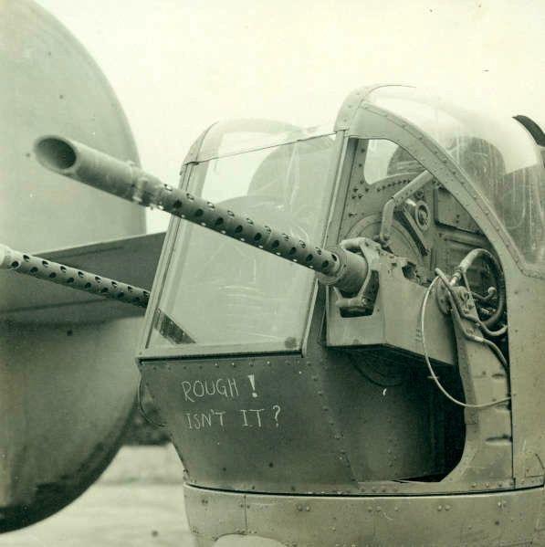 Diverses photos de la WWII - Page 39 8932