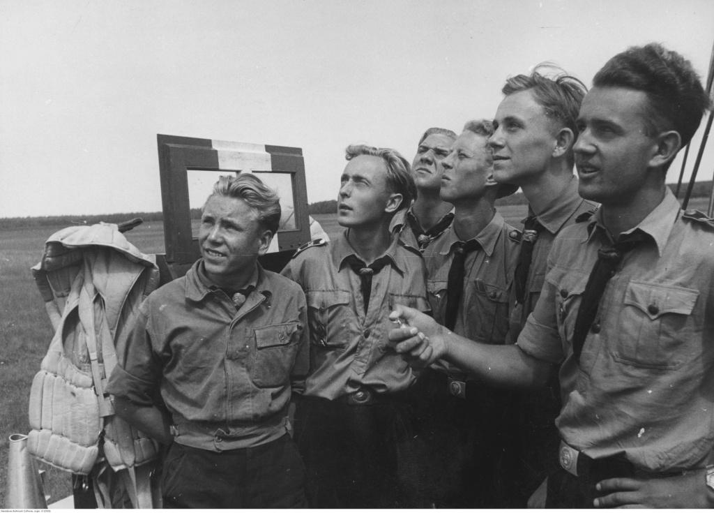 Diverses photos de la WWII - Page 5 89714