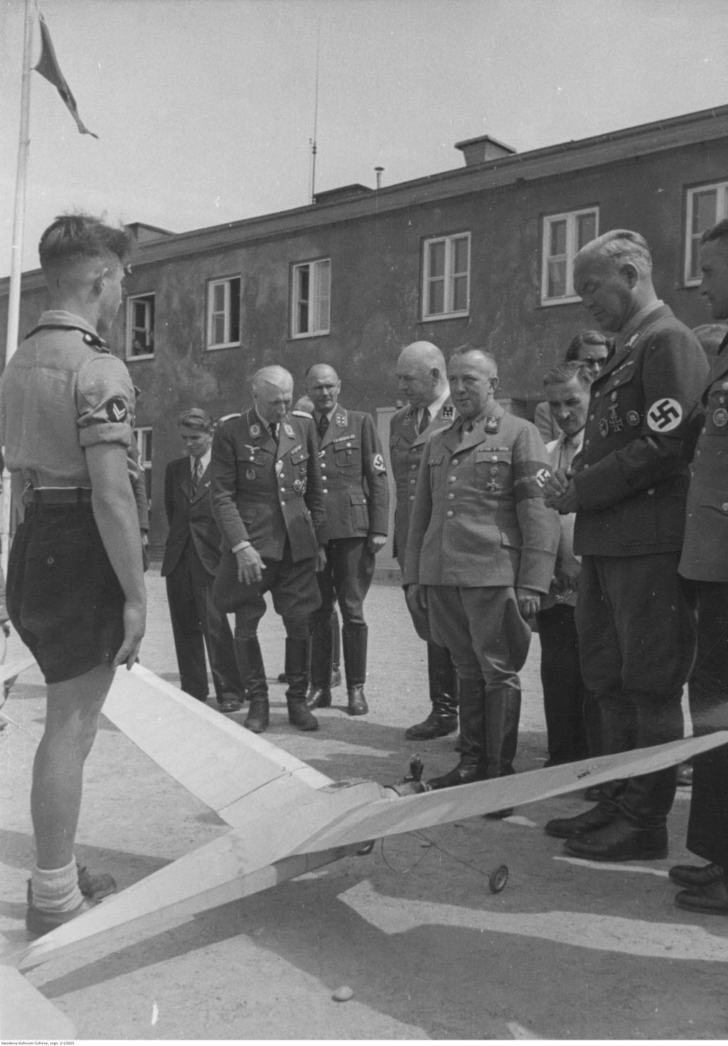 Diverses photos de la WWII - Page 5 91914