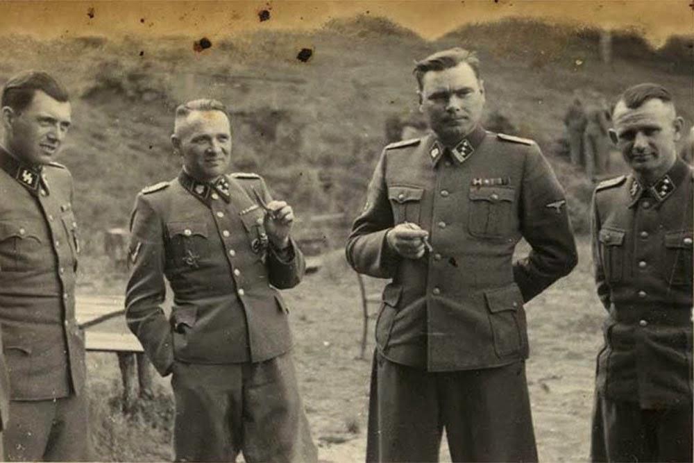 Diverses photos de la WWII - Page 40 93711