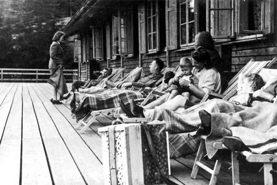 Diverses photos de la WWII - Page 40 93811