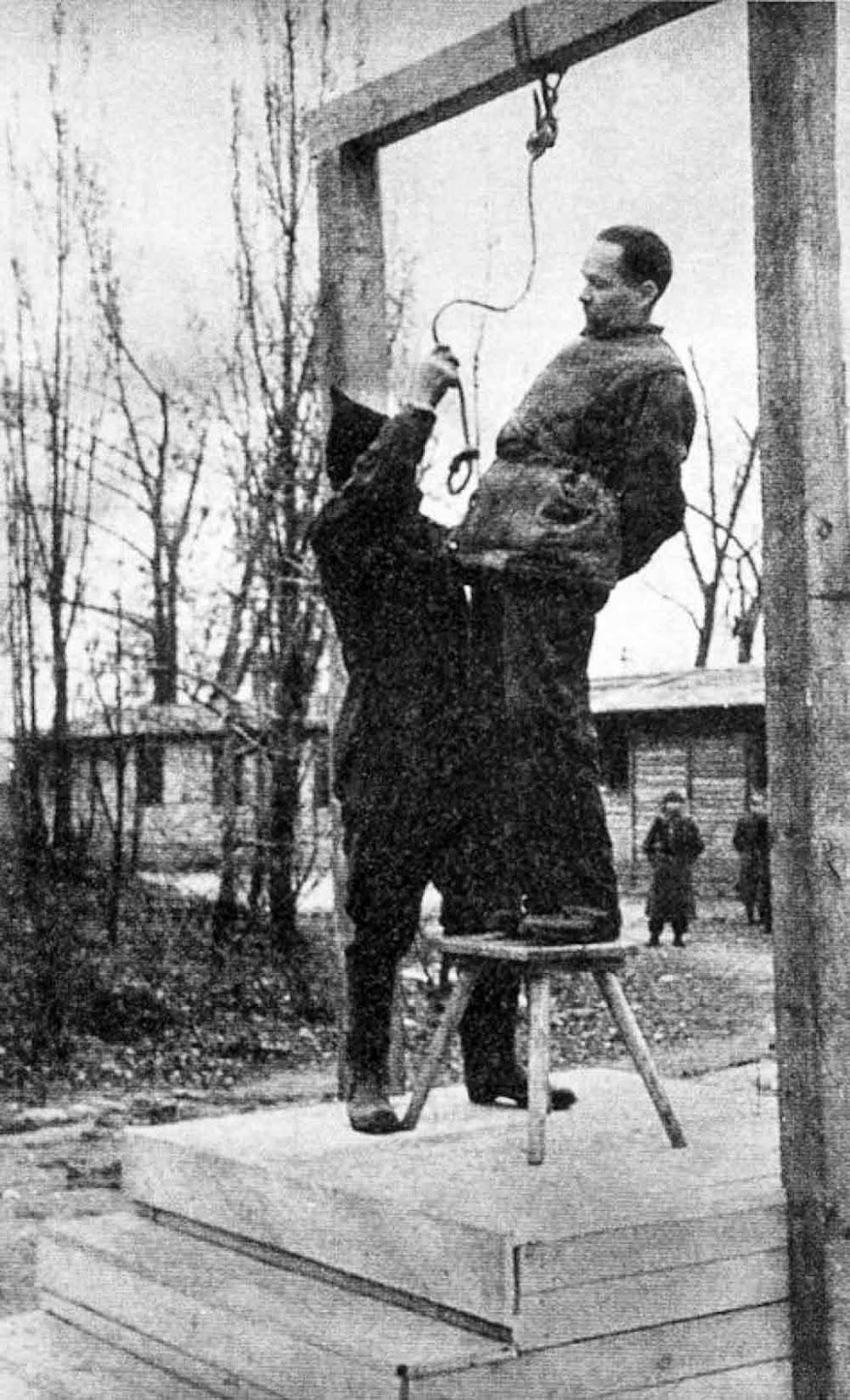 Diverses photos de la WWII - Page 40 94011