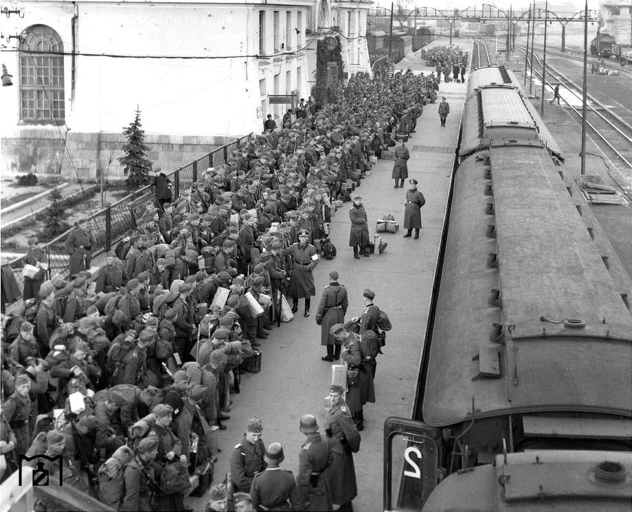 Diverses photos de la WWII - Page 6 945