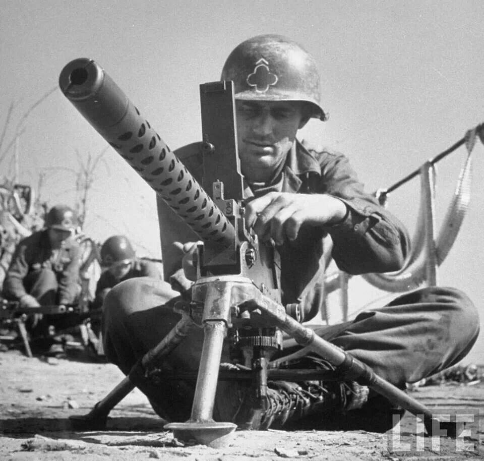 Diverses photos de la WWII (fichier 8) - Page 4 95519