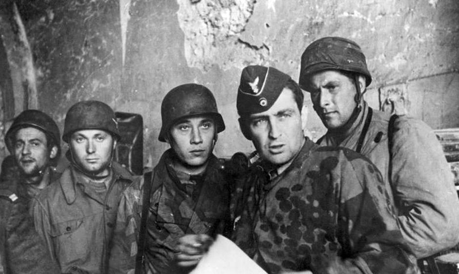 Diverses photos de la WWII - Page 3 9727