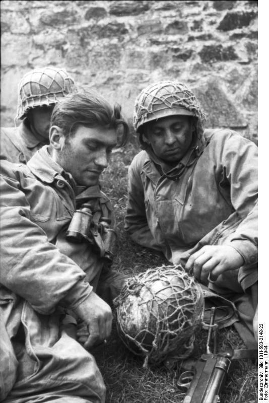 Diverses photos de la WWII - Page 37 97513