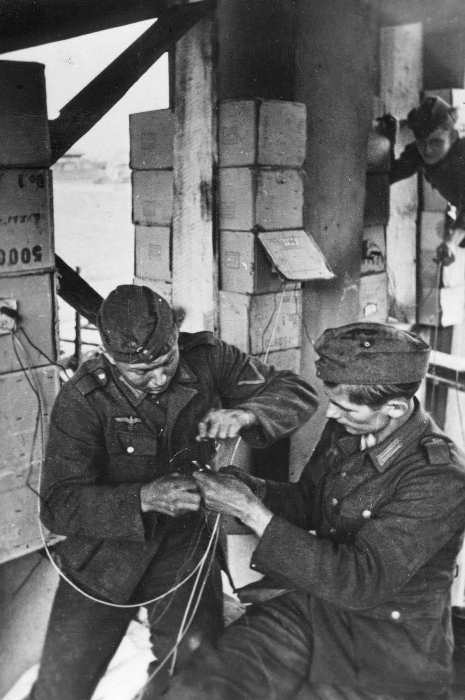 Diverses photos de la WWII (fichier 8) - Page 4 98121