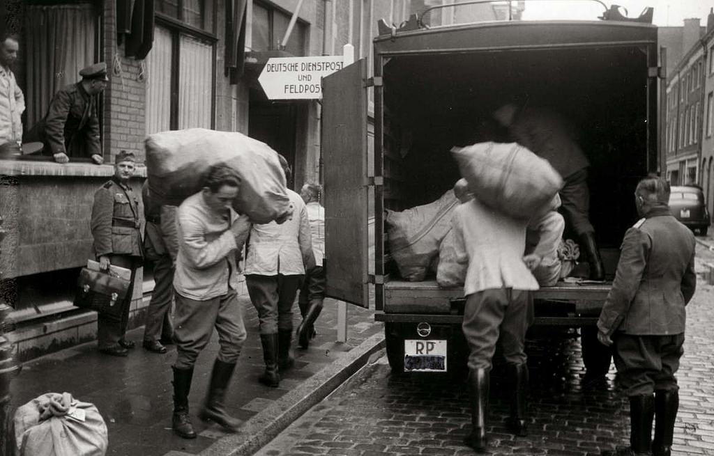 Diverses photos de la WWII - Page 3 9829