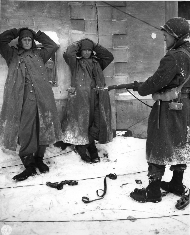 Diverses photos de la WWII - Page 37 98513