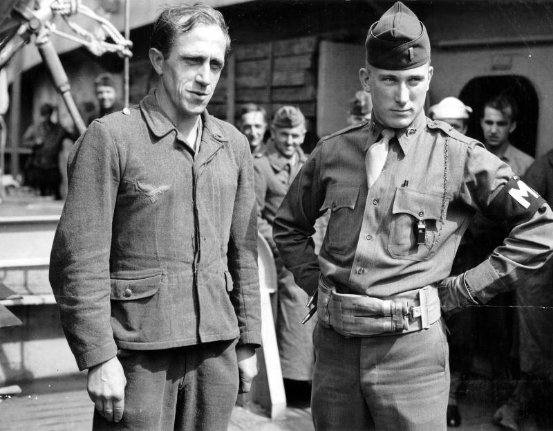 Diverses photos de la WWII - Page 39 98611