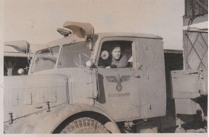 Diverses photos de la WWII - Page 37 98711