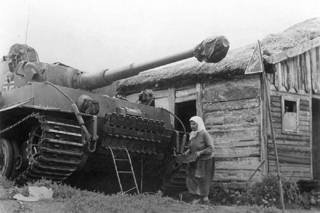 Diverses photos de la WWII (fichier 8) - Page 4 99215