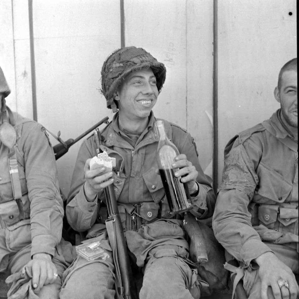 Diverses photos de la WWII (fichier 8) - Page 4 99316