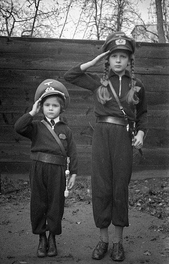 Diverses photos de la WWII - Page 37 99510