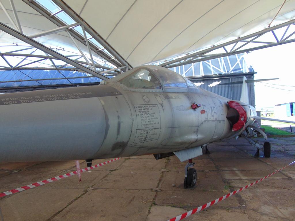 Musée de l'aviation à Kosice en Slovaquie Dsc04235