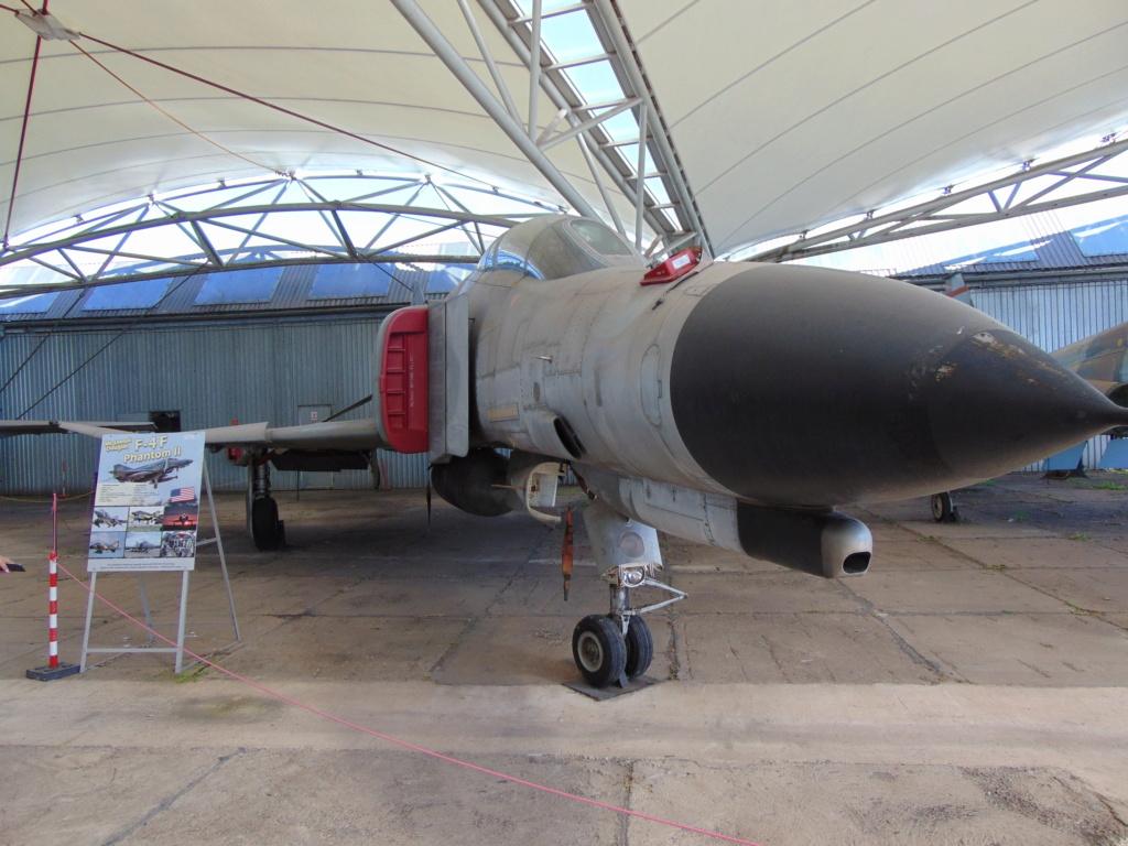 Musée de l'aviation à Kosice en Slovaquie Dsc04239