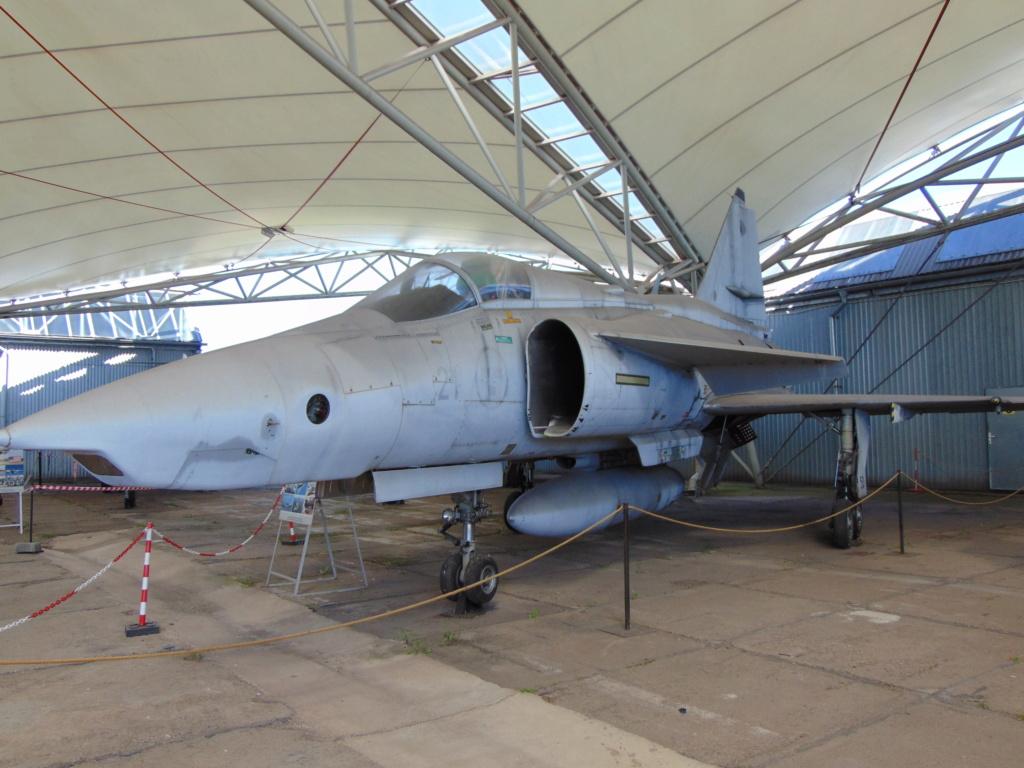 Musée de l'aviation à Kosice en Slovaquie Dsc04240