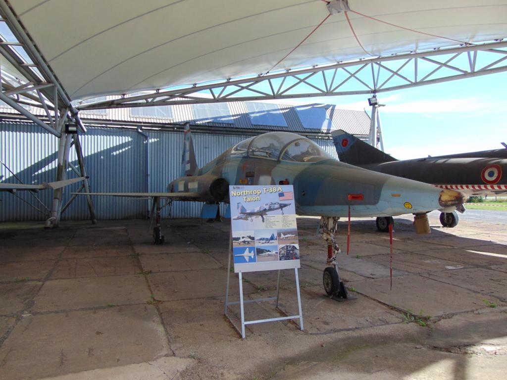 Musée de l'aviation à Kosice en Slovaquie Dsc04242