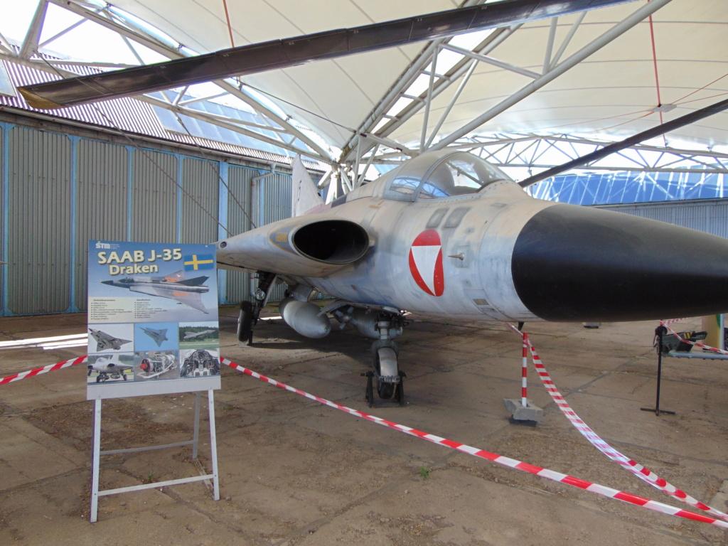 Musée de l'aviation à Kosice en Slovaquie - Page 2 Dsc04257