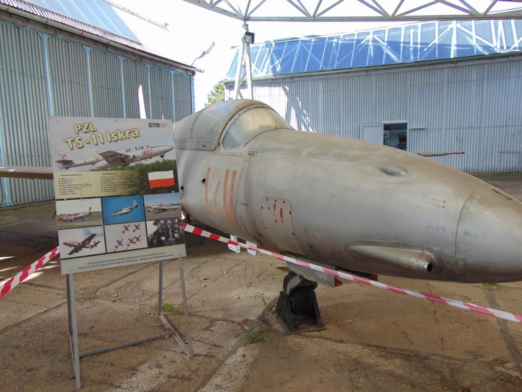 Musée de l'aviation à Kosice en Slovaquie - Page 2 Dsc04258
