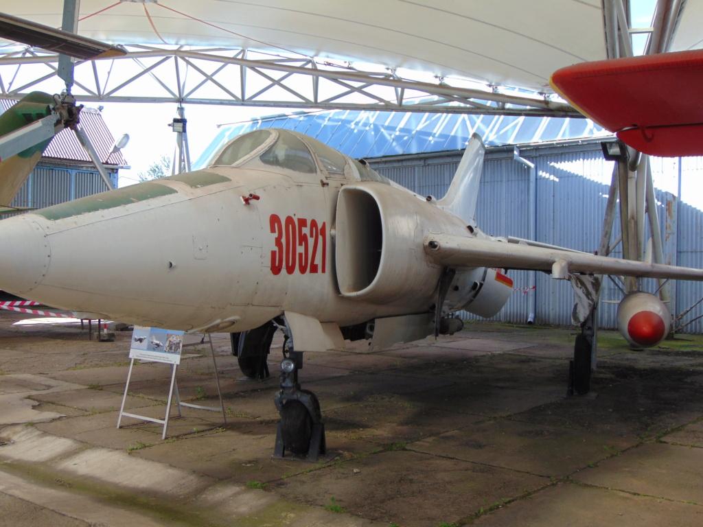 Musée de l'aviation à Kosice en Slovaquie - Page 2 Dsc04260