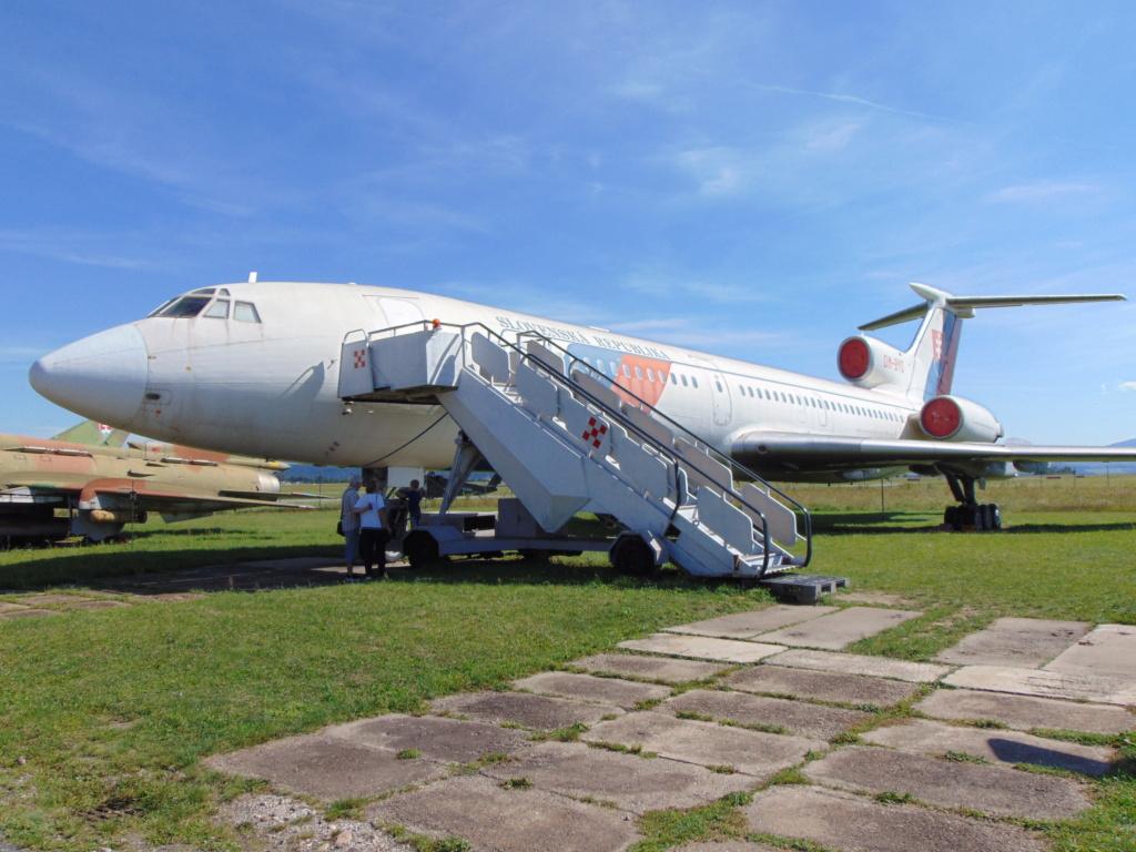 Musée de l'aviation à Kosice en Slovaquie - Page 2 Dsc04265