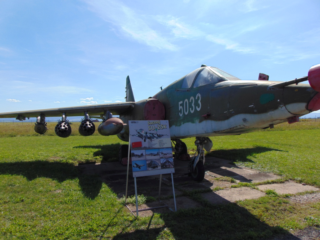 Musée de l'aviation à Kosice en Slovaquie - Page 2 Dsc04267