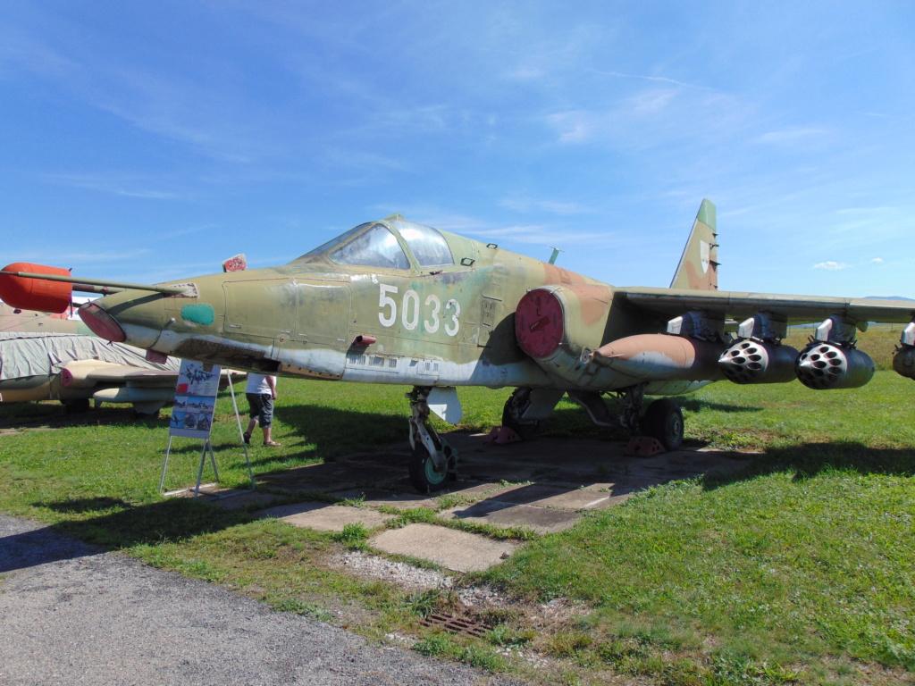 Musée de l'aviation à Kosice en Slovaquie - Page 2 Dsc04268