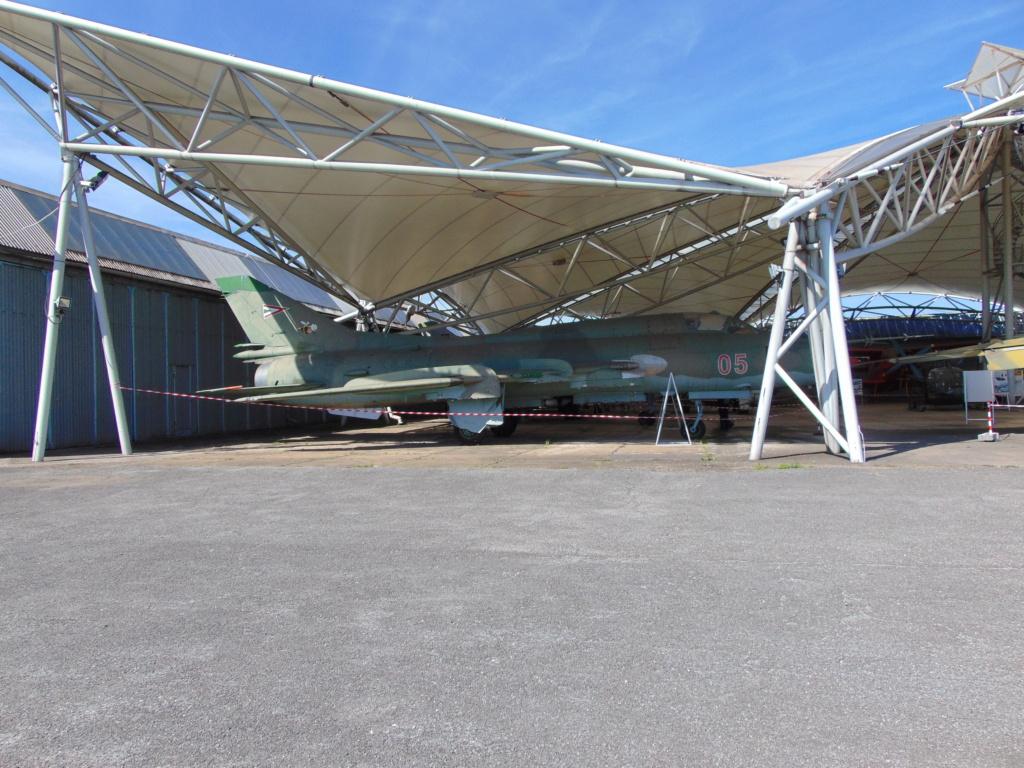 Musée de l'aviation à Kosice en Slovaquie - Page 2 Dsc04271