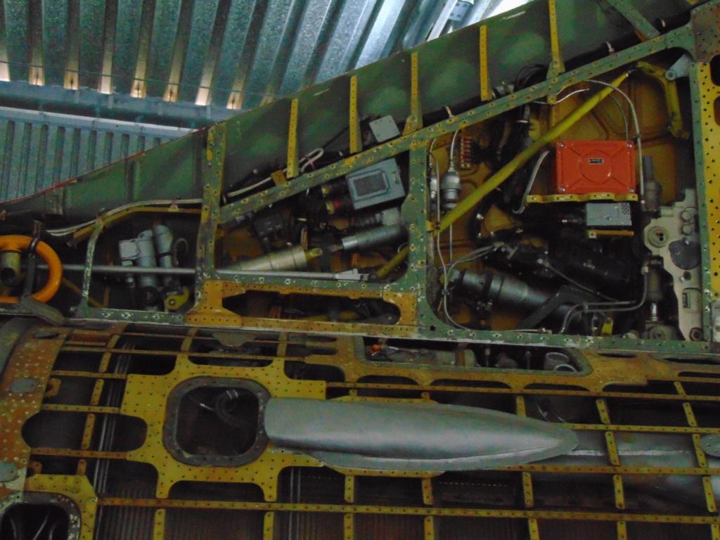 Musée de l'aviation à Kosice en Slovaquie - Page 2 Dsc04310