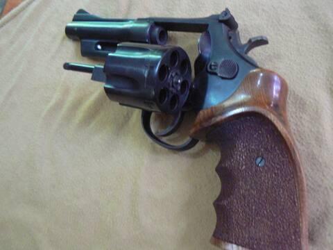 Questions sur le .357 Magnum - Page 2 P1090030
